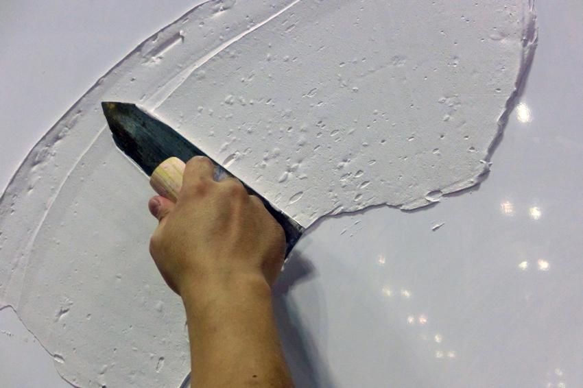 消臭・抗菌効果が期待できる塗り壁材!内装リフォーム・DIYにおすすめの「パーシモンEウォール」